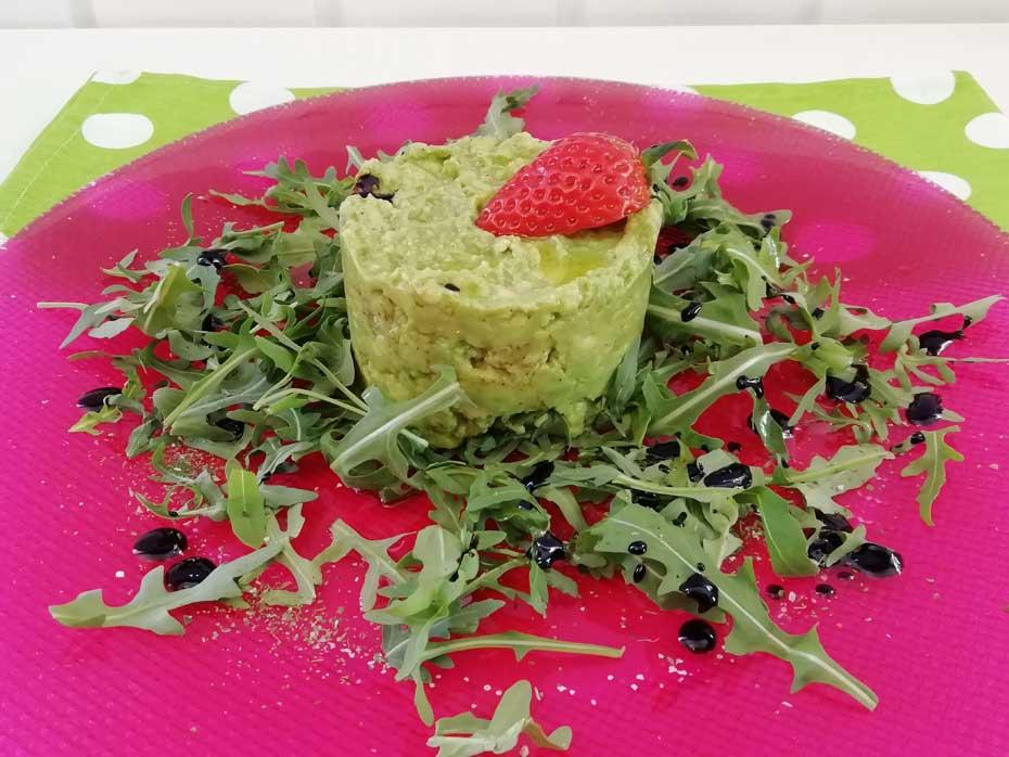 Avocadotatar auf Rucolasalat-vegan & vegetarisch - Restaurant Bunt Wien